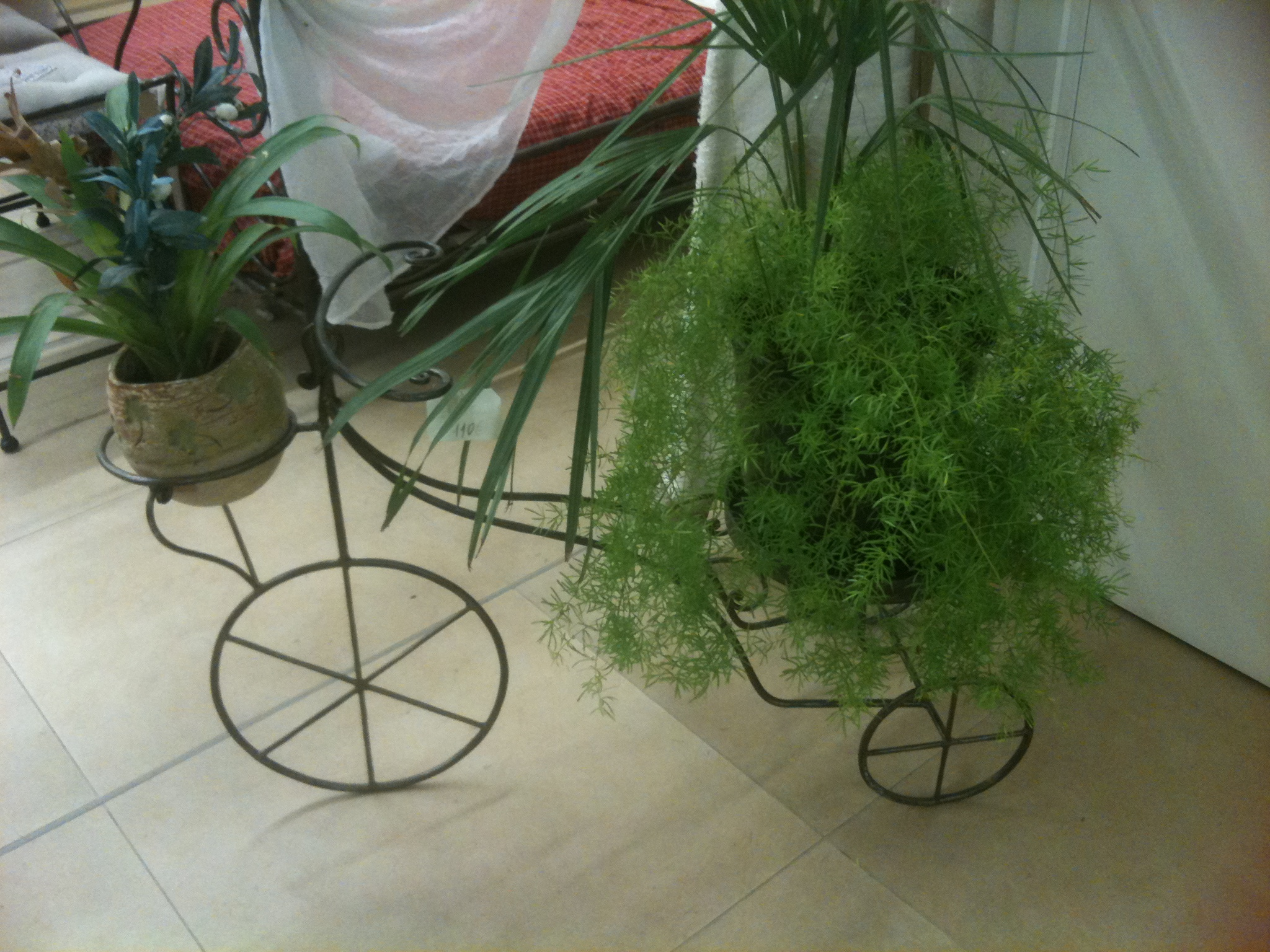 porte plante tricycle petit mod le portes plantes mobilier acier fer bosi la forge artistique. Black Bedroom Furniture Sets. Home Design Ideas